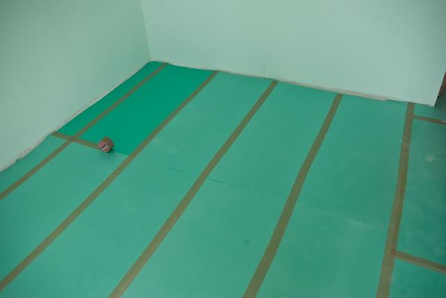 Подготовленный бетонный пол для монтажа ламината
